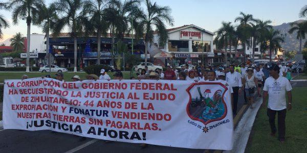 Resultado de imagen para fotos manifestacion de ejidatarios en ixtapa