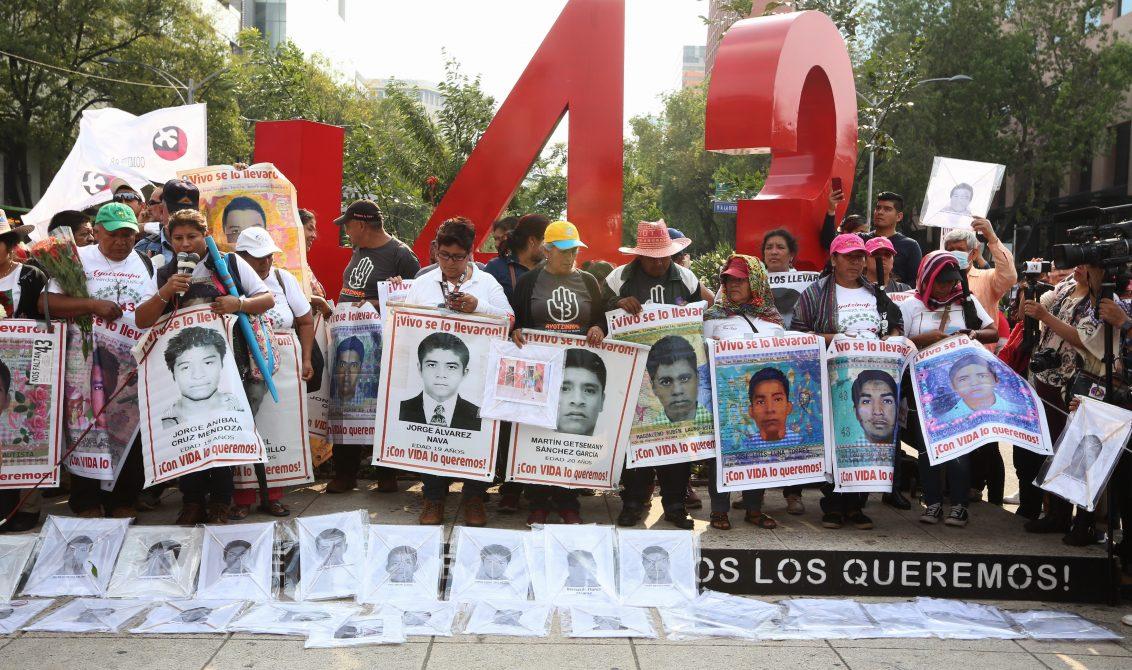 09012020-CIUDAD DE MEXICO, MEXICO, 26 DE SEPTIEMBRE DE 2019. CONMEMORACIÓN DE 5 ANIOS DE LA DESAPARICIÓN DE LOS NORMALISTAS DE LA ESCUELA NORMAR RURAL RAÚL ISIDRO BURGOS AYOTZINAPA. FOTO : KARINA TEJADA/KTM.