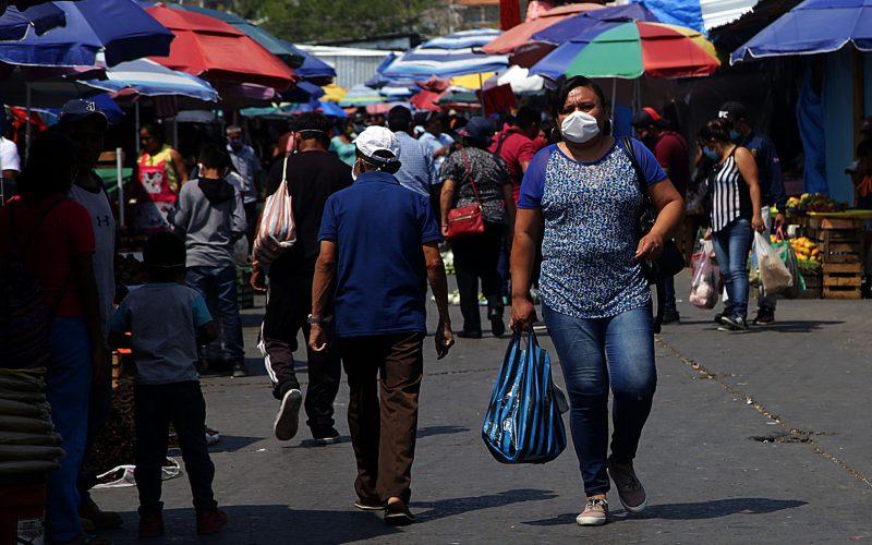 jnt-calle-21-marzo-mercado-Covid.jpg: Chilpancingo, Guerrero 27 de mayo del 2020// La calle 21 de marzo, durante la cuarentena del Covid-19. Foto: Jessica Torres Barrera