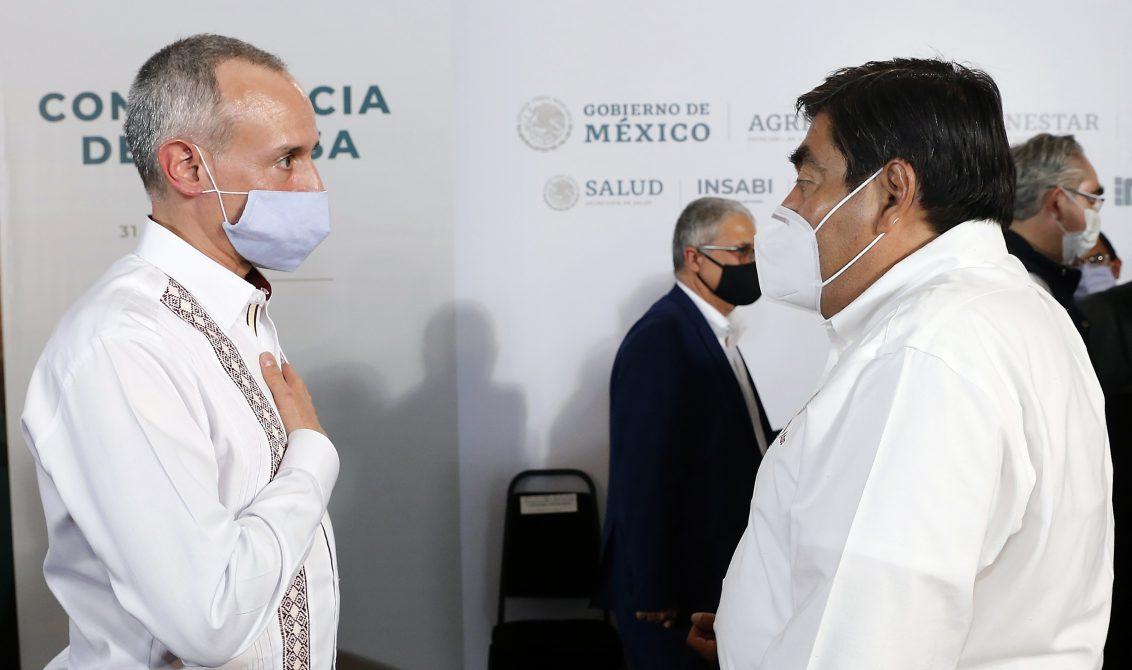 PUEBLA, PUEBLA, 31JULIO2020.- Hugo López-Gatell, subsecretario de Prevención y Promoción de la Salud, durante el informe diario de covid-19. El país cuenta con 424 mil 637 casos confirmados y 46 mil 688 defunciones por covid-19, lo que deja a Mexico como tercer lugar a nivel mundial en decesos por esta enfermedad. FOTO: PRESIDENCIA/CUARTOSCURO.COM
