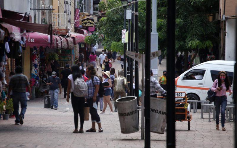 jnt-semaforo-naranja-andador-Zapata.jpg: Chilpancingo, Guerrero 24 de septiembre del 2020// El andador Zapata durante el semáforo naranja, del Covid-19. Foto: Jessica Torres Barrera