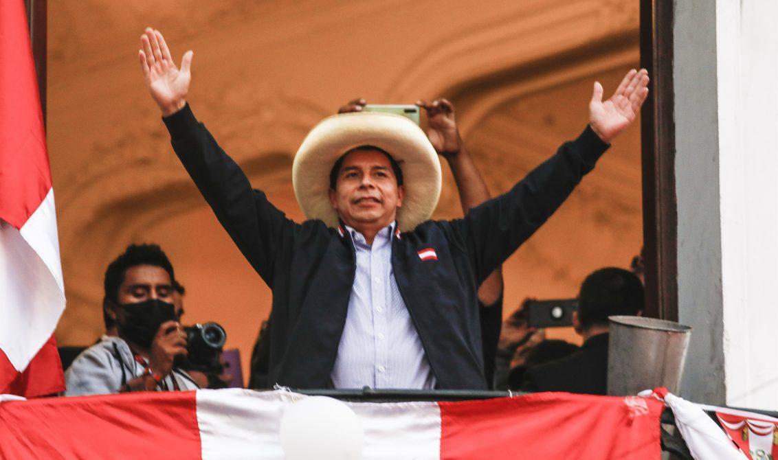 """El candidato de Perú Libre a la Presidencia, Pedro Castillo, pidió ayer a sus seguidores ser """"respetuosos"""" con la """"voluntad popular"""" y aseveró que será """"el primero"""" en hacer que la elección de los peruanos en la segunda vuelta de las presidenciales sea acatada. Foto: DPA"""