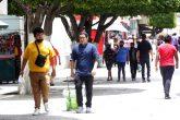 jnt-gente-zocalo-Covid.jpg: Chilpancingo, Guerrero 21 de julio del 2021// Gente en el zócalo sin respetar las medidas para la prevención del Covid-19. Foto: Jessica Torres Barrera